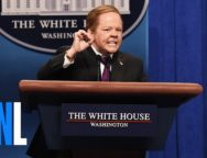 Melissa McCarthy Returns to SNL as Screaming Sean Spicer