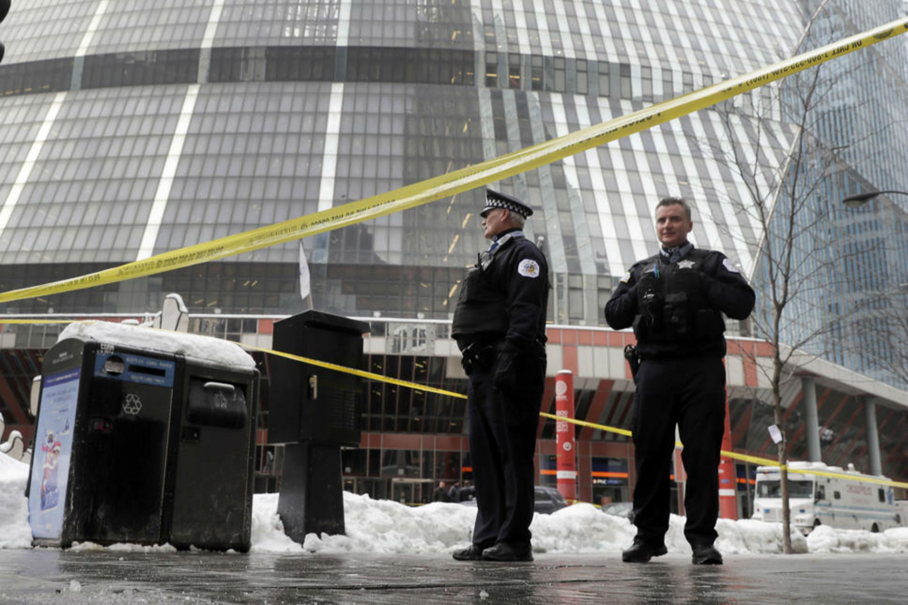 Chicago Police Commander Gunned Down at Thompson Center Pursuing a Suspect